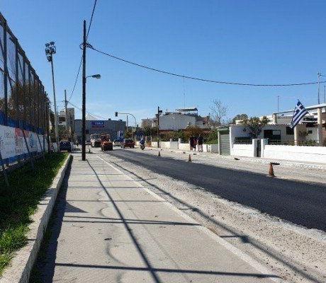 Εργασίες αποκατάστασης του ασφαλτοτάπητα στη Λ.Σούδας